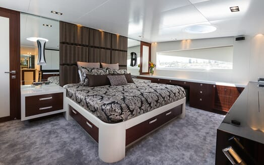 Motor Yacht Paradise master cabin