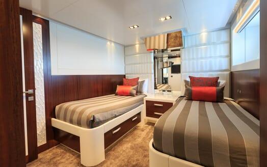 Motor Yacht Paradise twin cabin