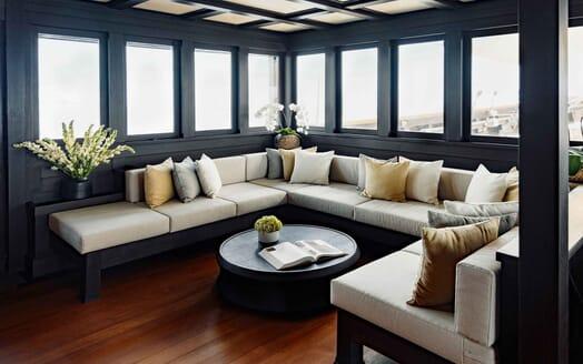 Sailing Yacht DUNIA BARU Seating