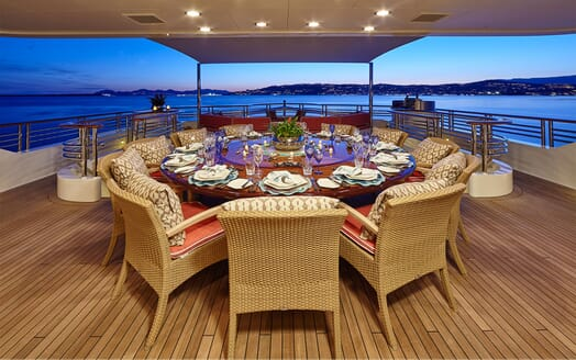 Motor Yacht COCOA BEAN Aft Deck Dining Table