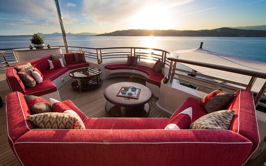 Motor Yacht COCOA BEAN Upper Aft Deck Seating