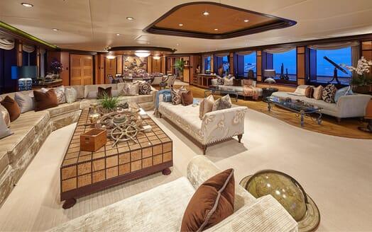 Motor Yacht COCOA BEAN Main Deck Saloon