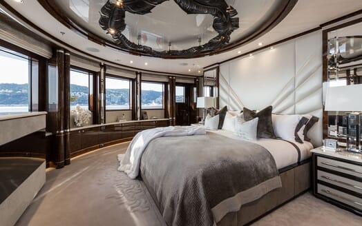 Motor Yacht 11.11 Master Stateroom