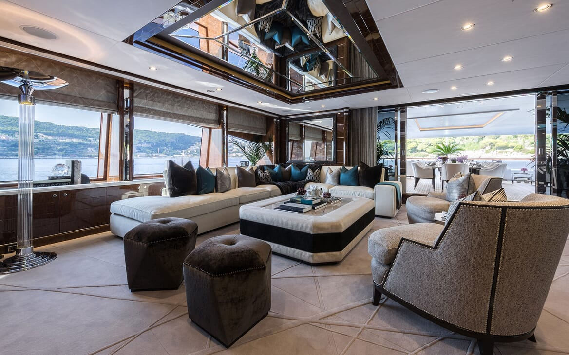 Motor Yacht 11.11 Main Saloon to Aft Deck
