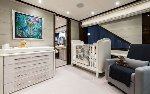 Motor Yacht 11.11 Nursery
