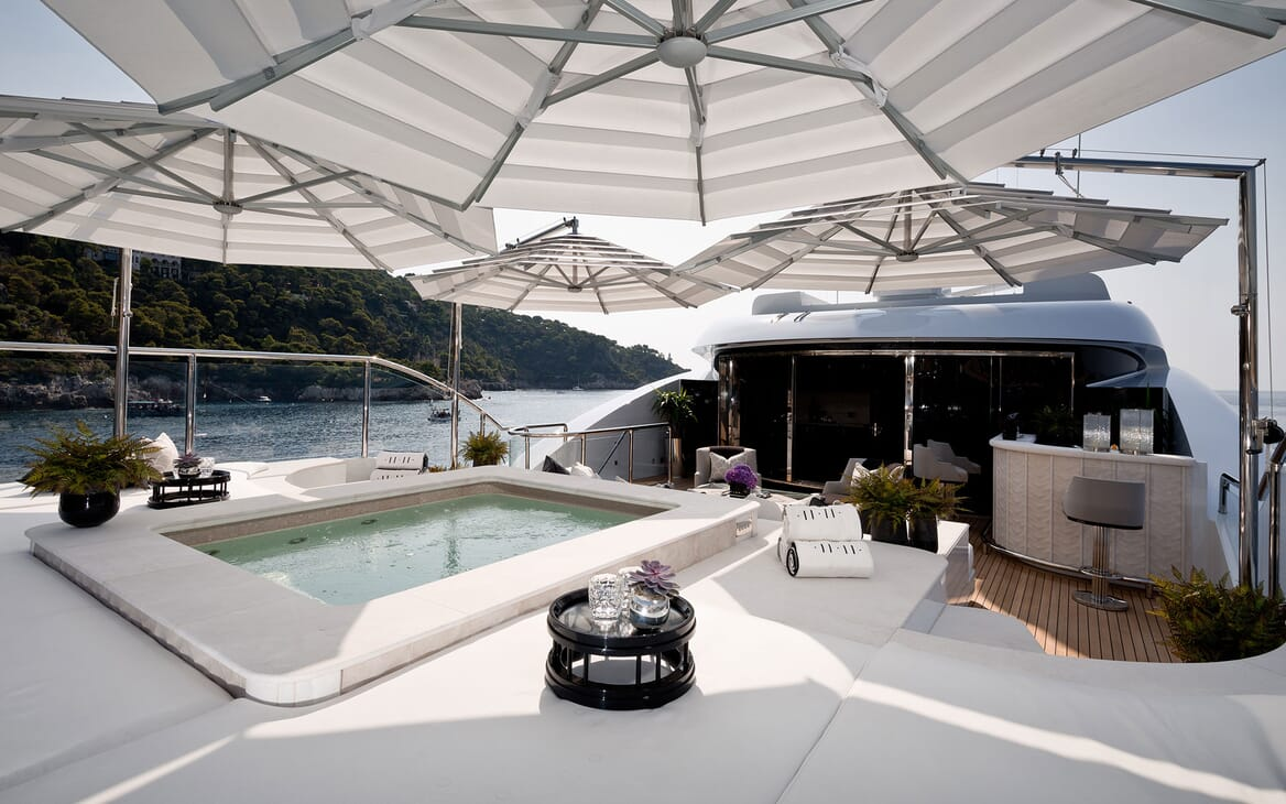 Motor Yacht 11.11 Aft Swimming Pool