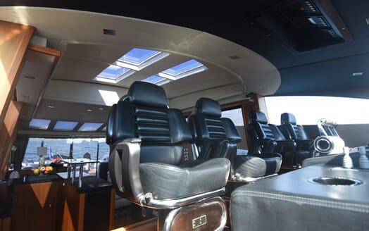 Motor Yacht Double D bridge