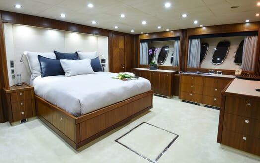 Motor Yacht Double D master cabin