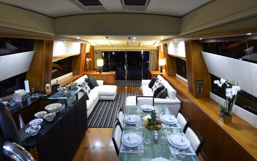 Motor Yacht Double D living area