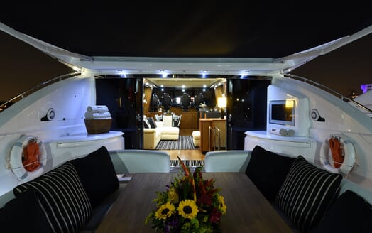Motor Yacht Double D deck