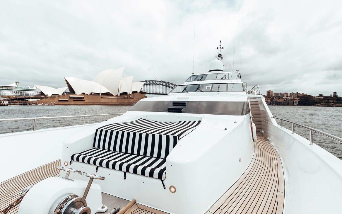Motor Yacht Oscar II foredeck