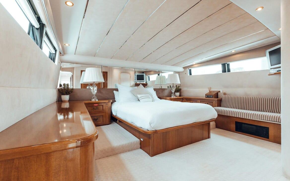Motor Yacht Oscar II master cabin