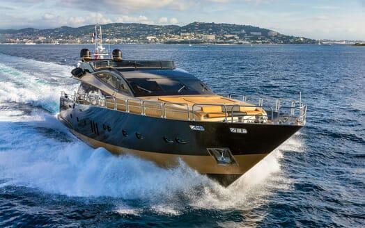 Motor Yacht CLAREMONT Bow Underway