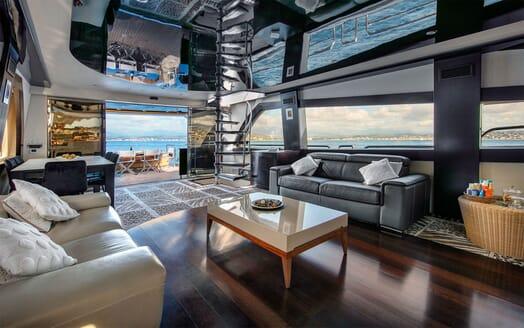 Motor Yacht CLAREMONT Main Deck Saloon