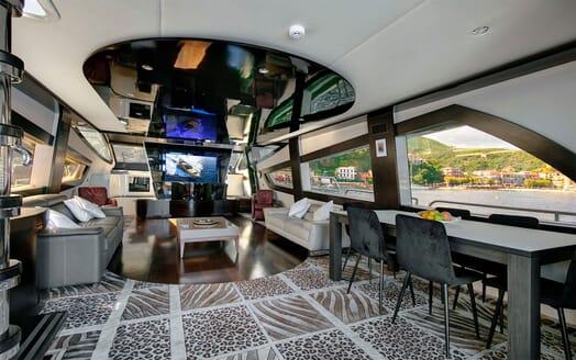 Motor Yacht CLAREMONT Main Deck Saloon 2