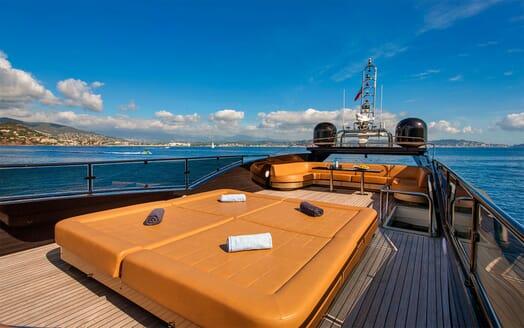 Motor Yacht CLAREMONT Sun Deck Sun Pad