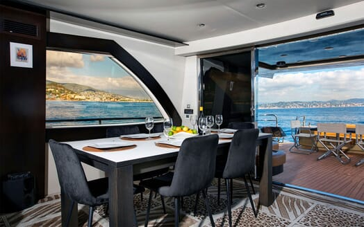 Motor Yacht CLAREMONT Main Deck Dining Table
