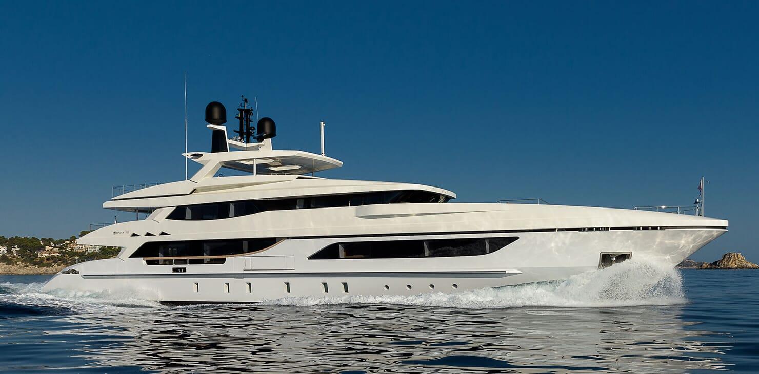 Motor Yacht Mr T running shot