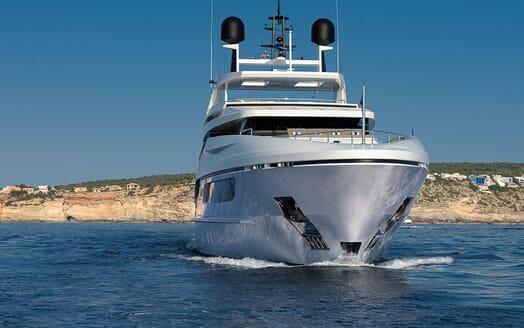 Motor Yacht Mr T underway
