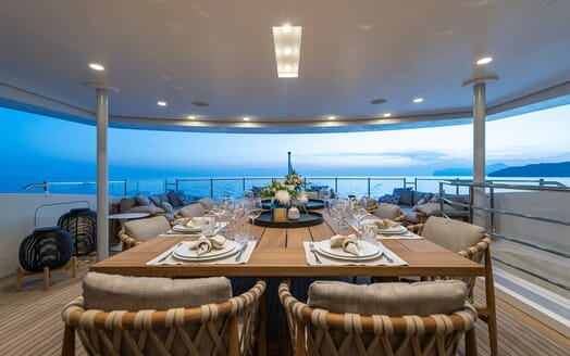 Motor Yacht MR. T Master Stateroom