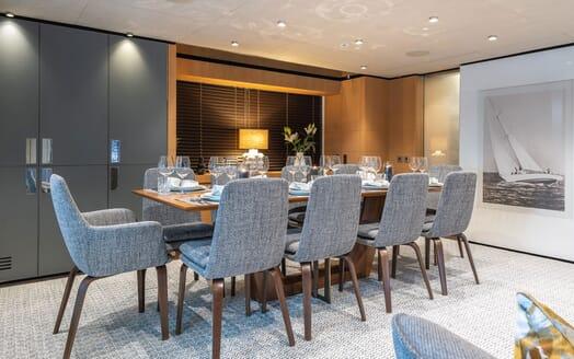 Motor Yacht Mr T twin cabin