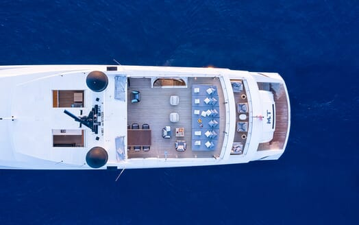 Motor Yacht MR. T Sun Deck Dining Table