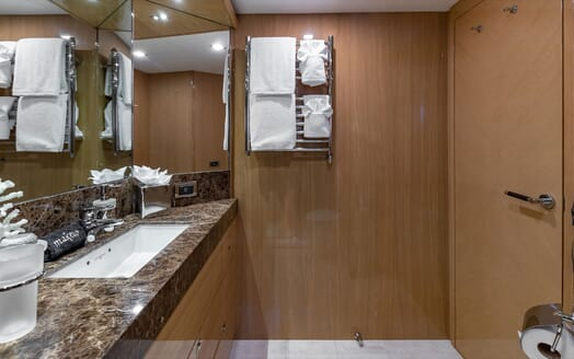 Motor Yacht Lady Cope water sports