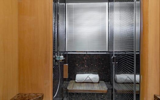 Motor Yacht Lady Cope jetskis