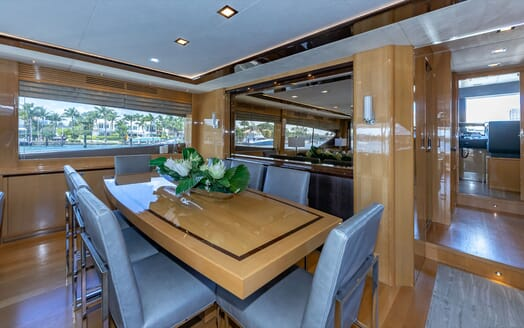 Motor Yacht Lady Cope guest cabin