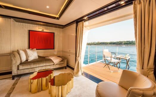 Motor Yacht ELIXIR salon