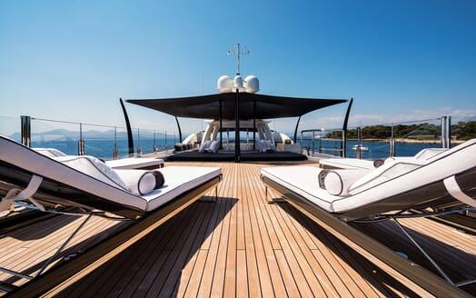 Motor Yacht ELIXIR sundeck