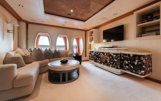 Motor Yacht SUNRAYS Master Stateroom Lounge
