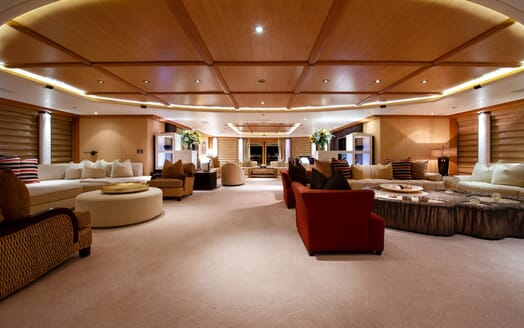 Motor Yacht SUNRAYS Upper Deck Saloon