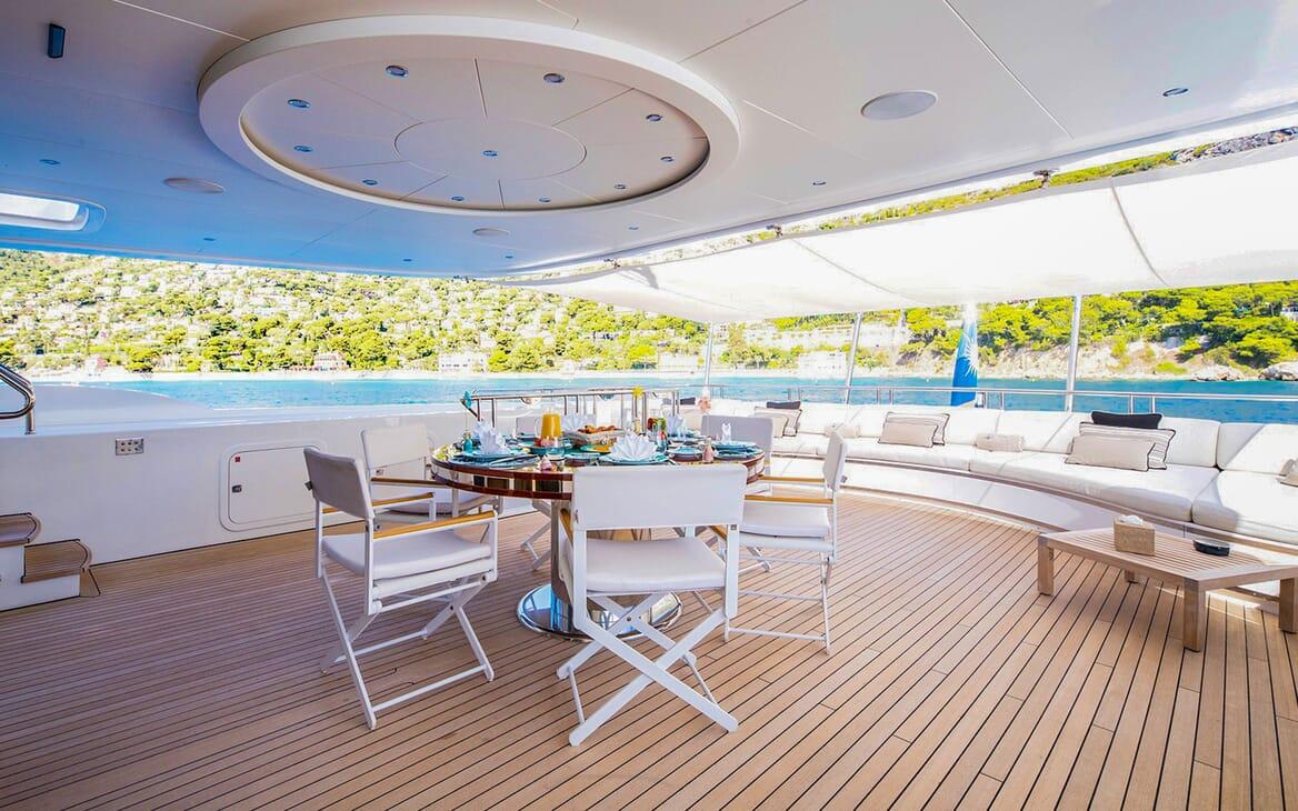 Motor Yacht MY WAY Al Fresco Dining Table