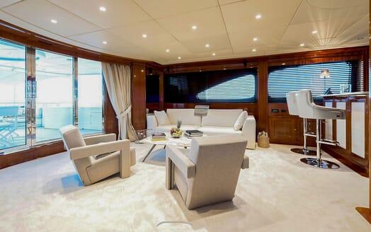 Motor Yacht MY WAY Bar Saloon