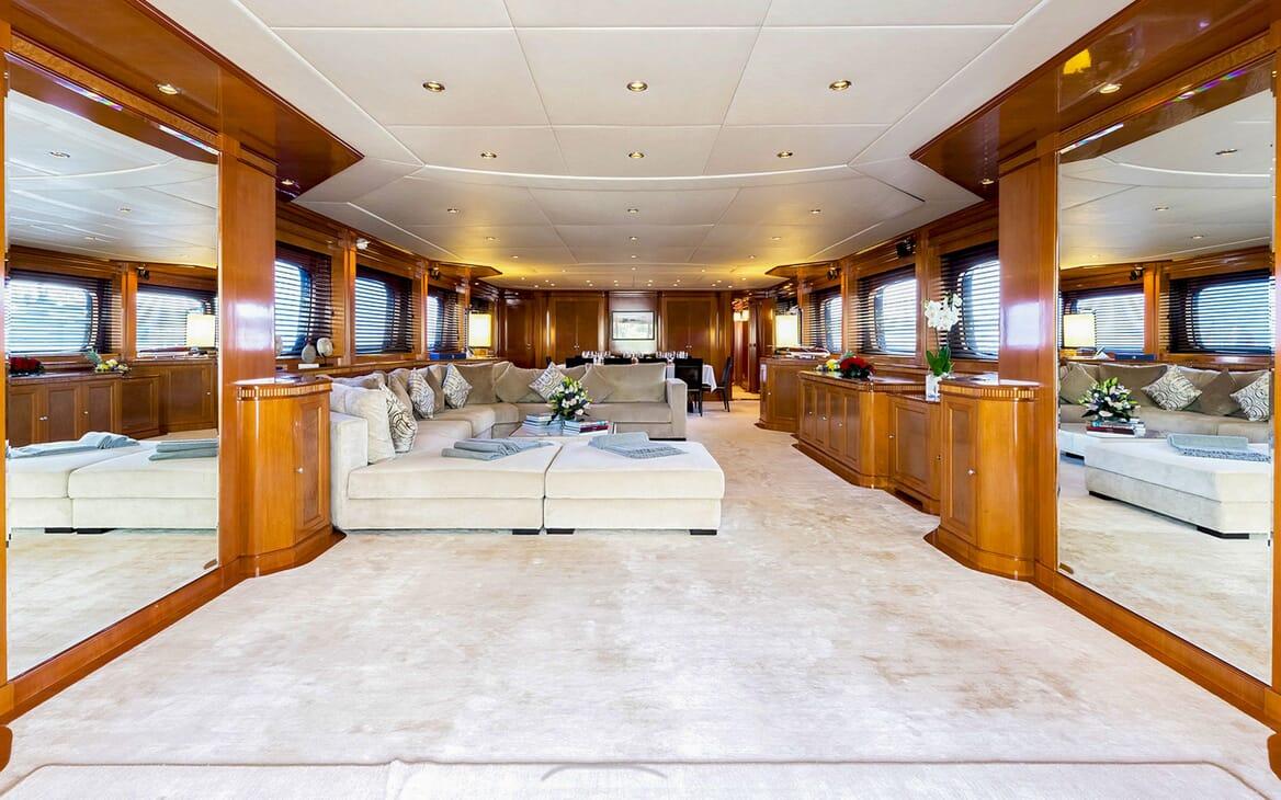 Motor Yacht MY WAY Main Saloon