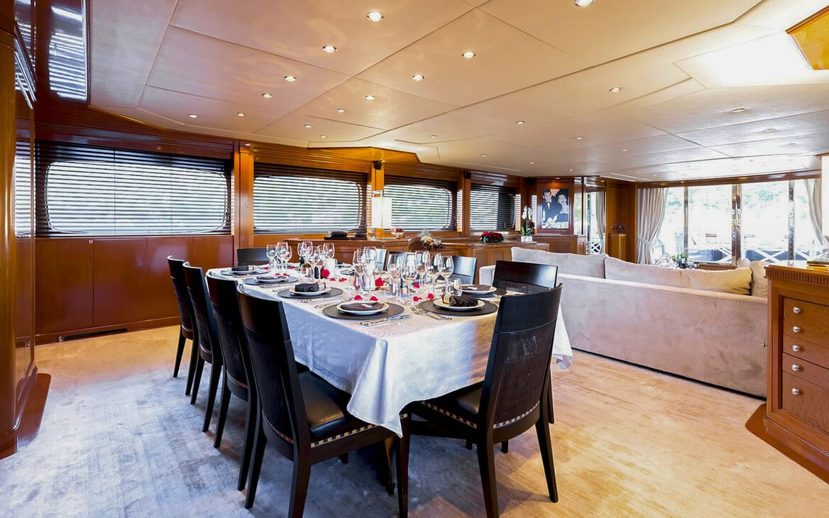 Motor Yacht MY WAY Dining Table