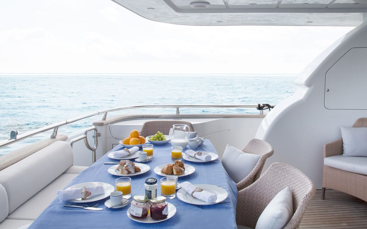 Motor Yacht SEVEN C Aft Deck Dining Table