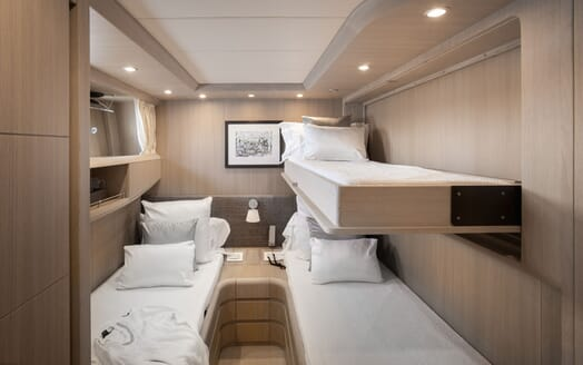 Motor Yacht SEVEN C Twin Stateroom with Pullman