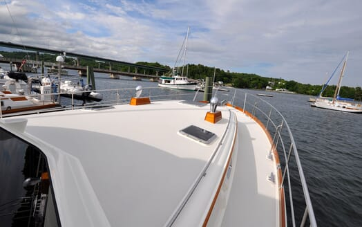 Motor Yacht Chaos foredeck