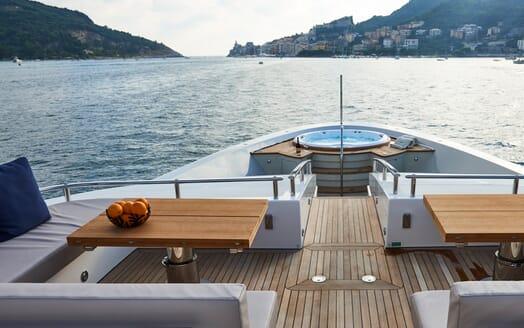 Motor Yacht Takara Bow Jacuzzi