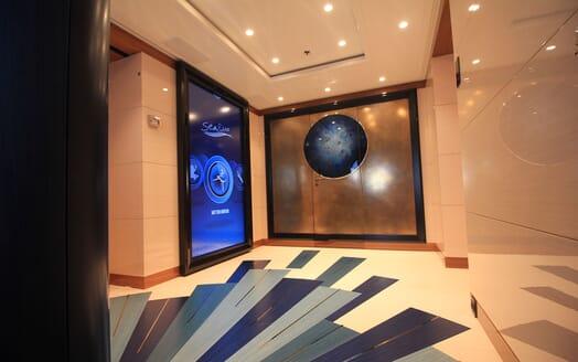 Motor Yacht 63m Amels Hallway