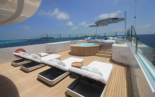 Motor Yacht 63m Amels Sundeck Loungers