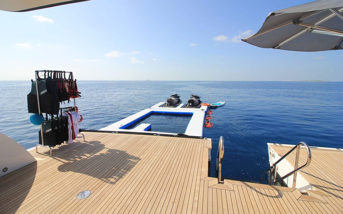 Motor Yacht 63m Amels Beach Club Inflatable