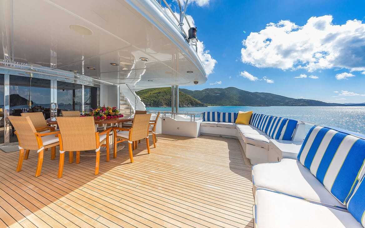 Motor Yacht MAGIC Aft Deck Dining Table
