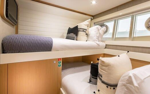 Motor Yacht La Pace twin cabin