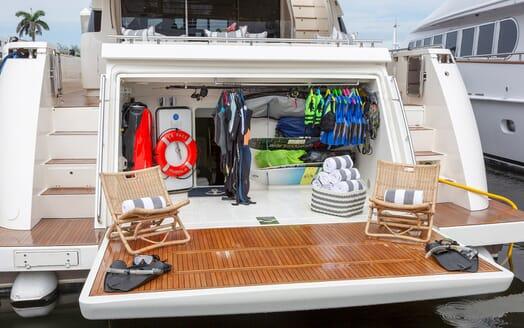 Motor Yacht La Pace aft deck