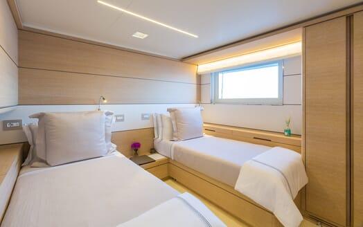 Motor Yacht Narvalo twin cabin