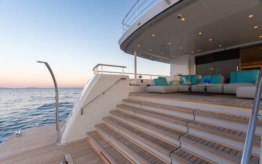 Motor Yacht Narvalo aft deck