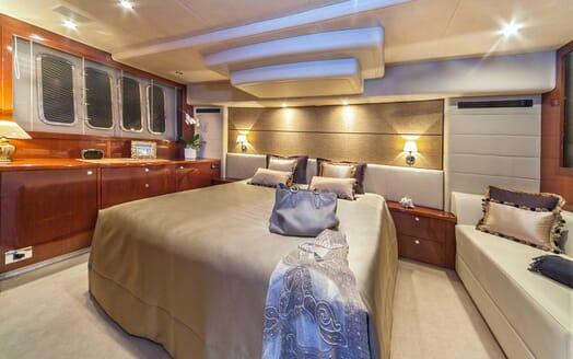 Motor Yacht Sassy master cabin